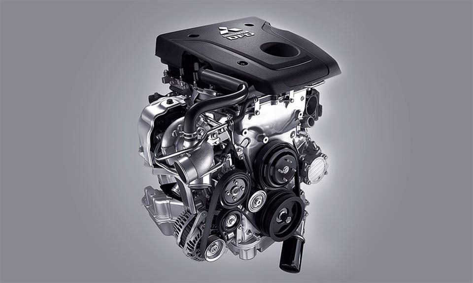 Motor MIVEC 2.4L turbo diesel Super Silence em alumínio com 190cv de potência e 43,9Kgf.m de torque.